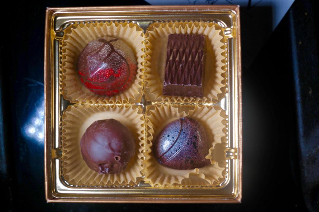 chocolates_1350x900
