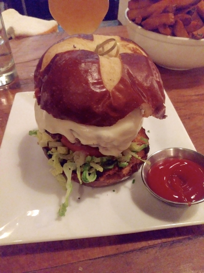burger_675x900