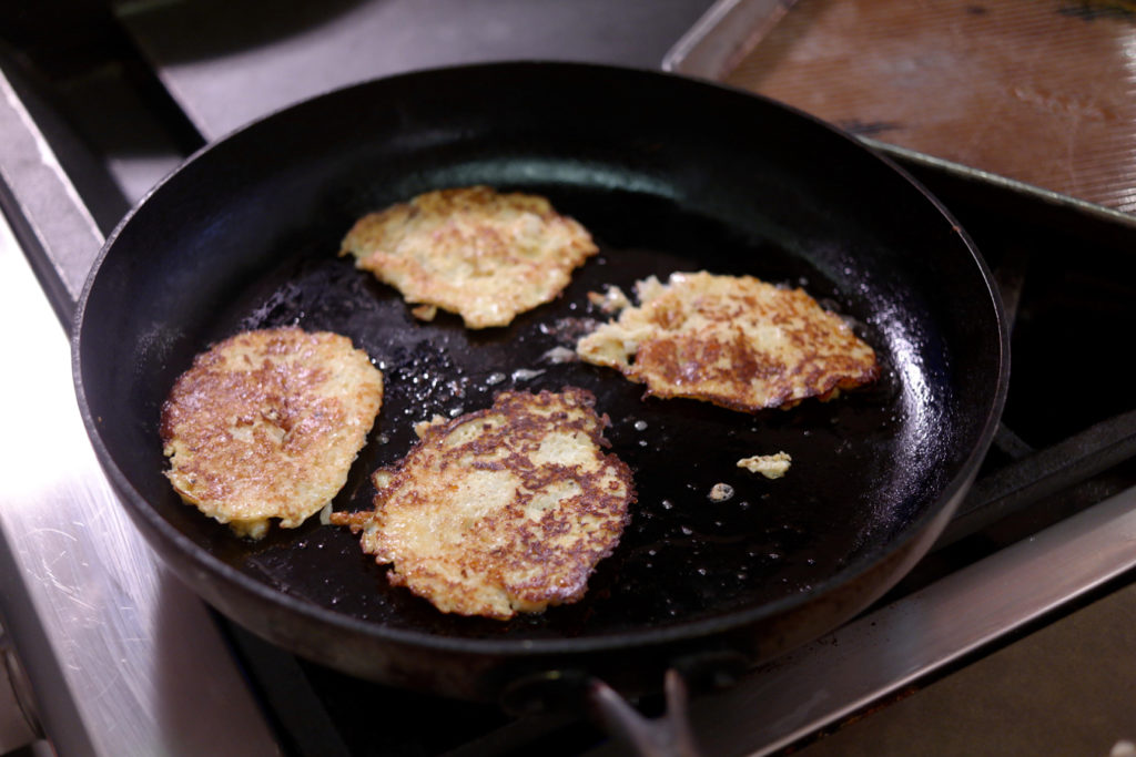 cauliflower patties_1350x900