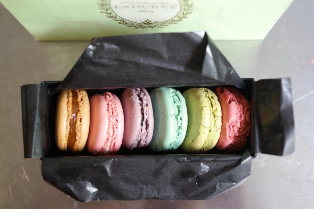 macarons_1350x900