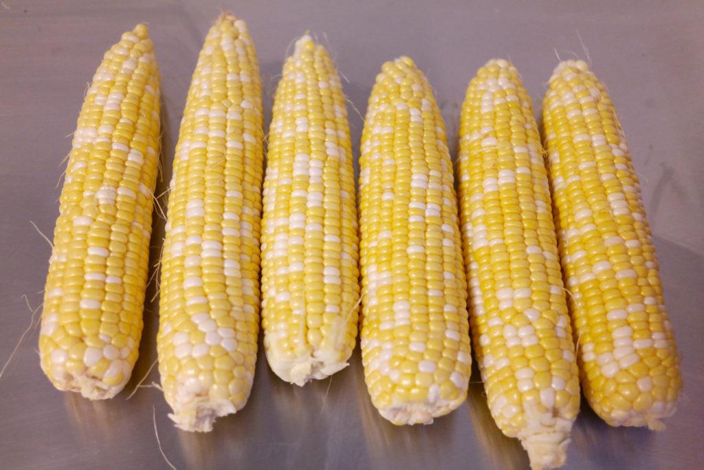 corn ears_1350x900