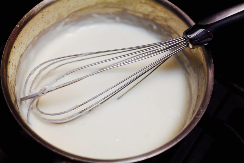 white sauce_1350x900
