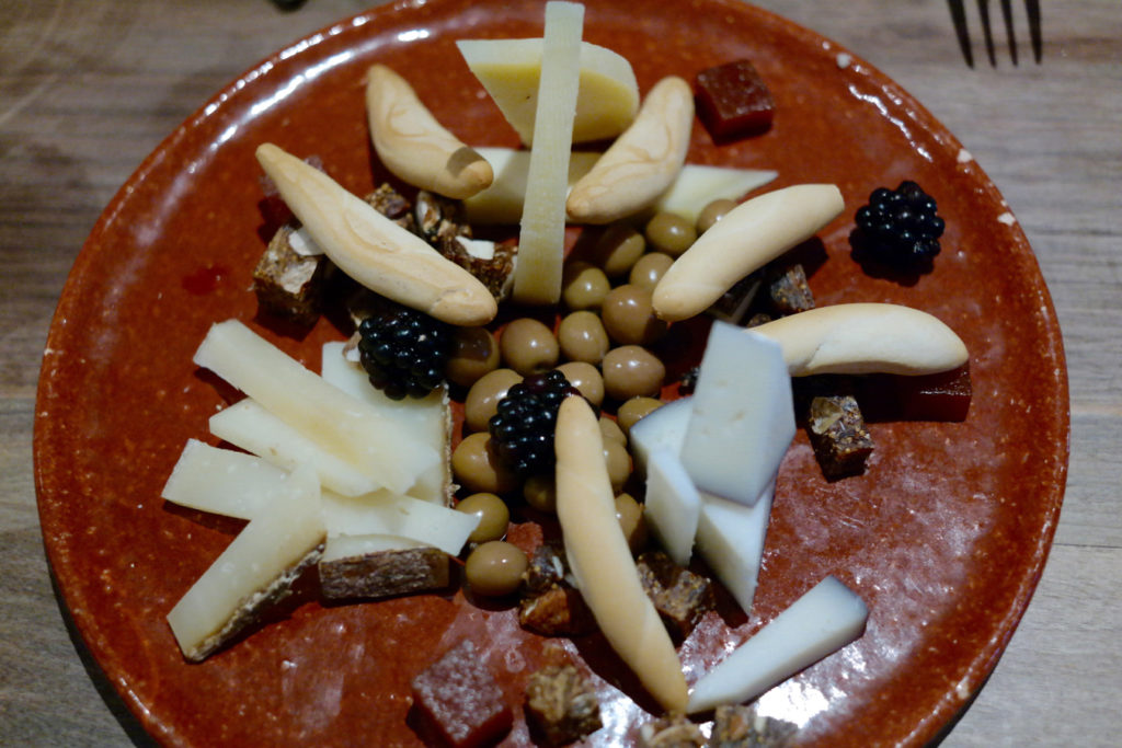 cheese plate_1350x900