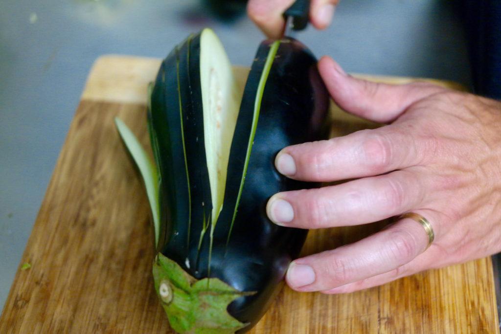slicing eggplant_1350x900