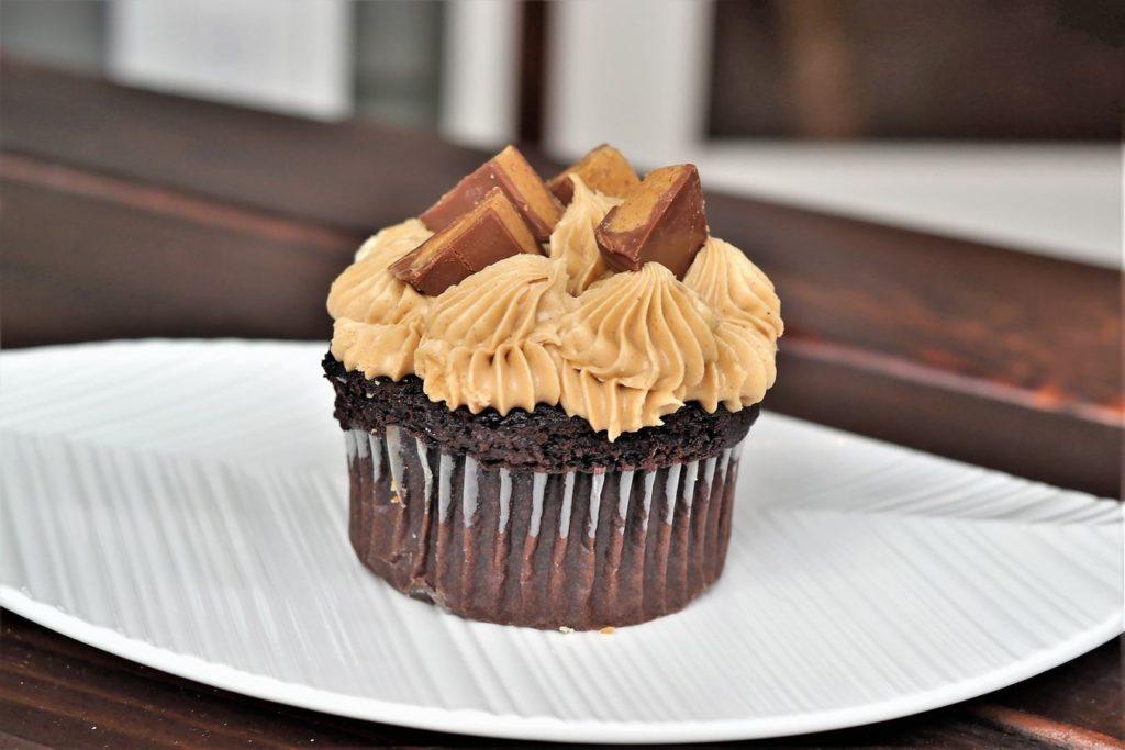 penut-butter-cupcake