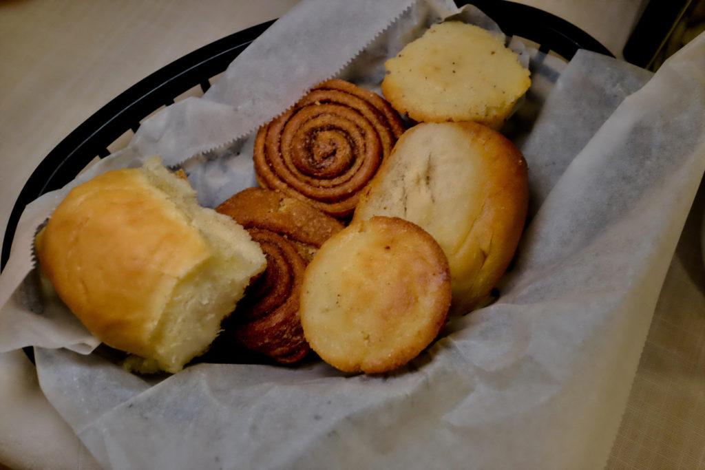 bread_1350x900
