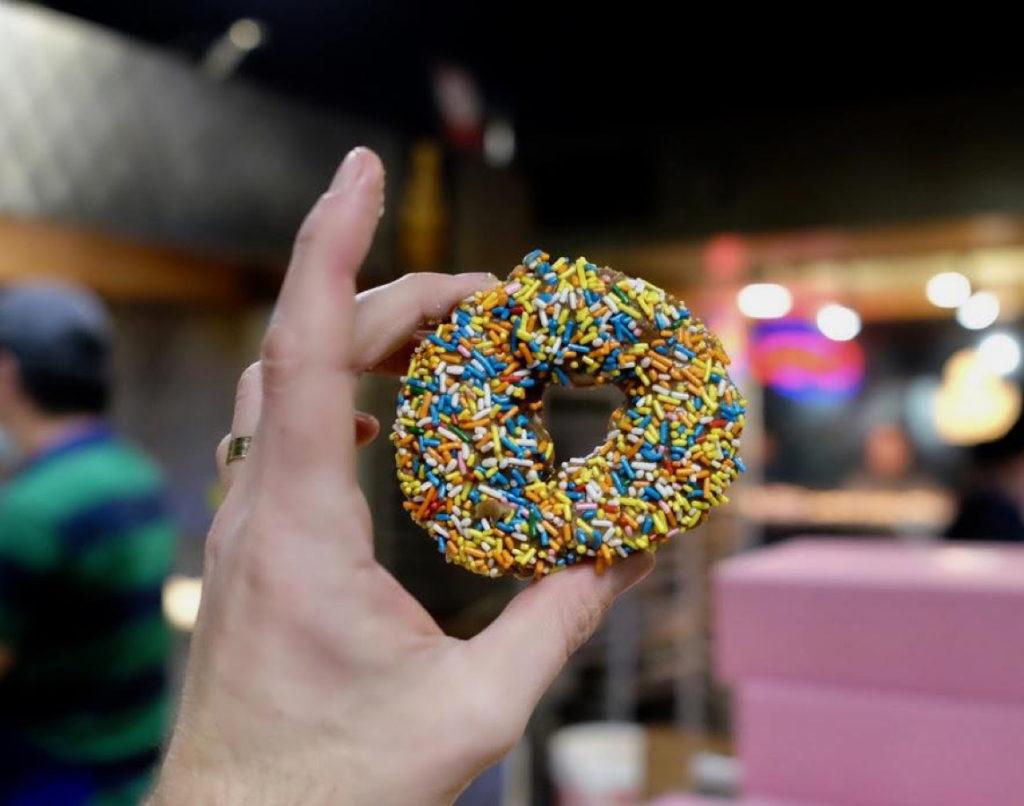 donut_1143x900