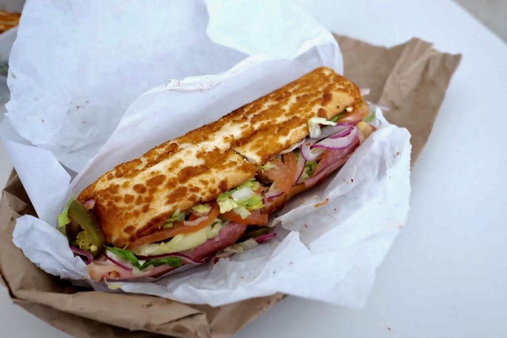 meat sandwich_1350x900