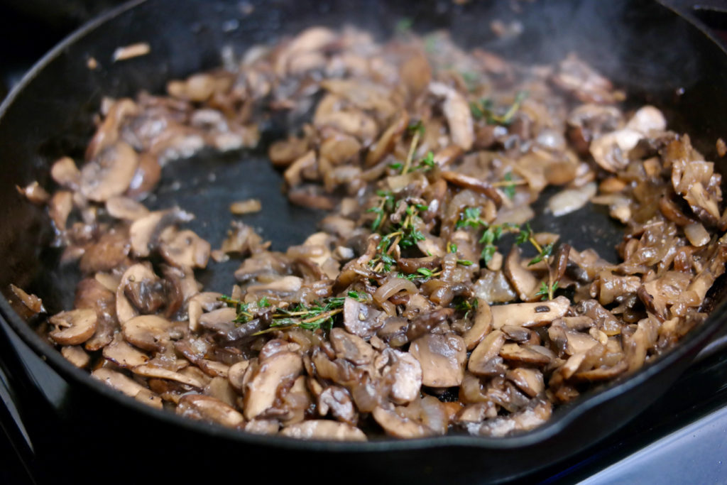 cooked mushrooms_1350x900
