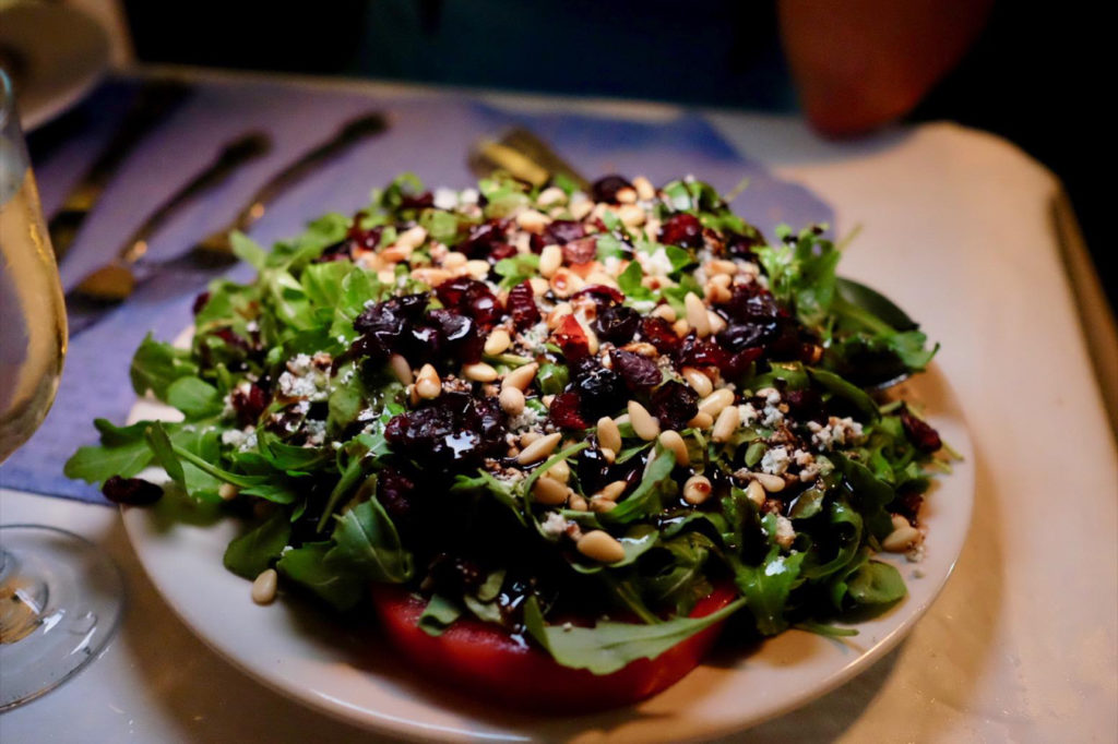 salad_1351x900
