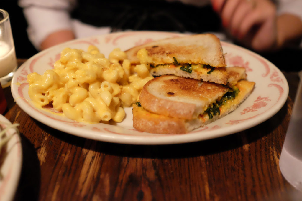 pimento sandwich_1350x900