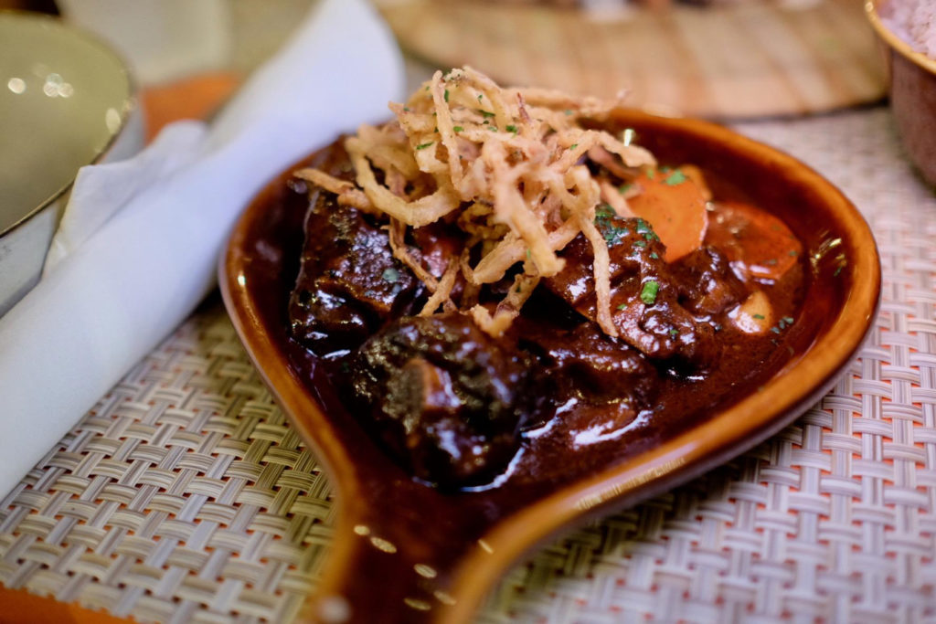 oxtails_1350x900