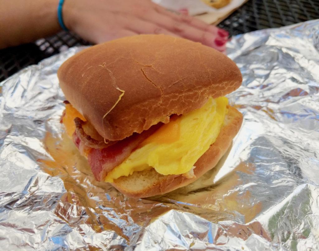 egg sandwich_1143x900