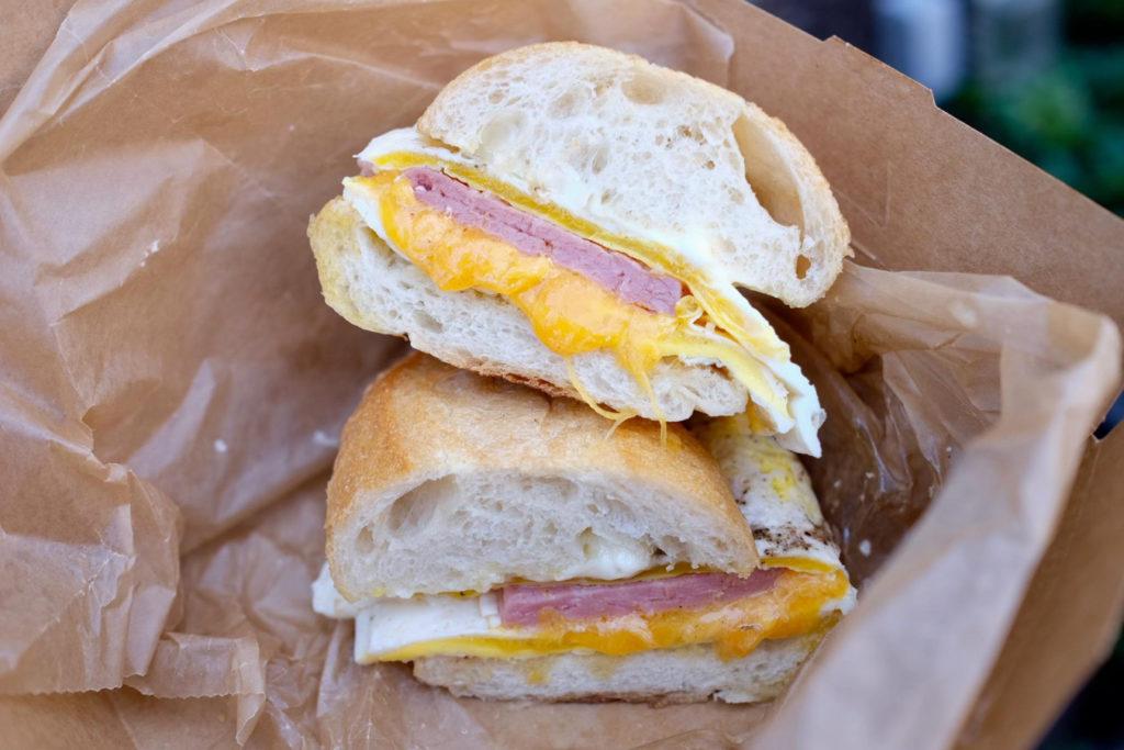 breakfast sandwich_1350x900