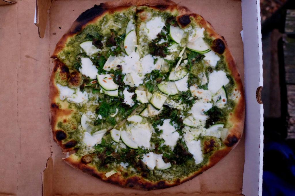 green pizza_1350x900