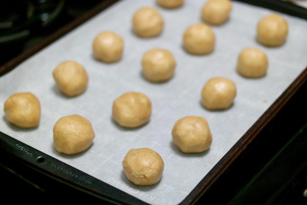 balls_1350x900